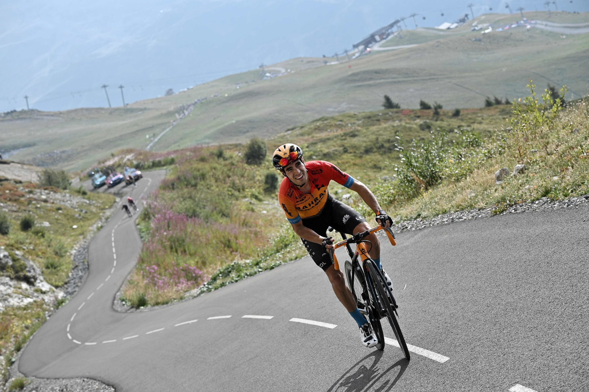 Team Bahrain rider Spains Mikel lt;HIT gt;Landa lt;/HIT gt; rides in the Loze pass during the 17th stage of the 107th edition of the Tour de France cycling race, 170 km between Grenoble and Meribel, on September 16, 2020. (Photo by Anne-Christine POUJOULAT / AFP)