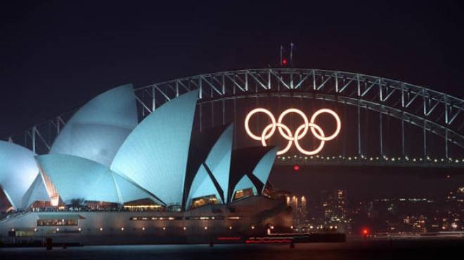 Salen a subasta en eBay los aros olímpicos del puente sobre la bahía de Sidney