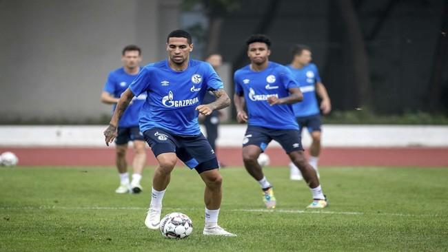 Mascarell, en un entreno del Schalke.