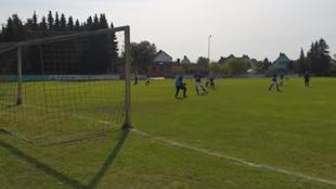 Un momento del 37-0 del SV Holdenstedt II al SG Ripdorf / Molzen II...