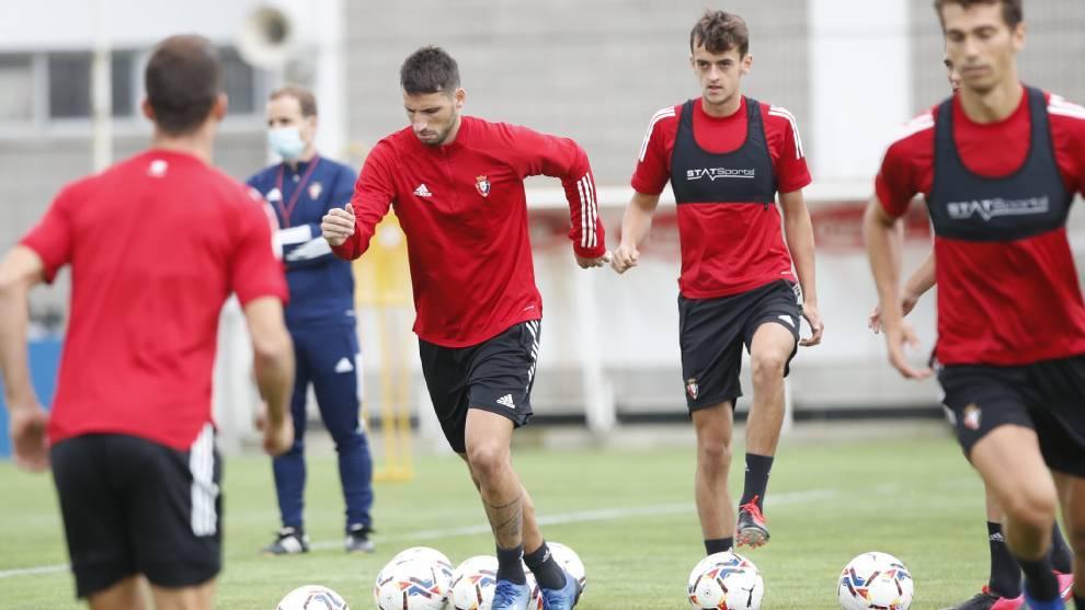 Calleri durante una sesión de entrenamiento con Osasuna