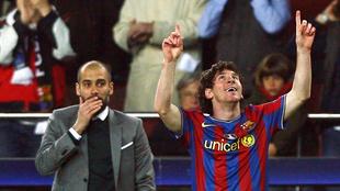 Pep Guardiola junto a Lionel Messi en el Barcelona.