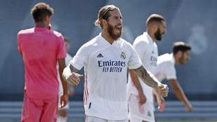 Sergio Ramos, durante un entrenamiento del Madrid en Valdebebas