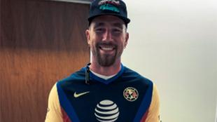 América manda jersey a Travis Kelce de los Chiefs.