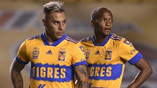 Vargas y Quiñones en un juego con Tigres