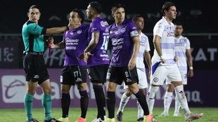 Polémica victoria de Cruz Azul en Mazatlán.