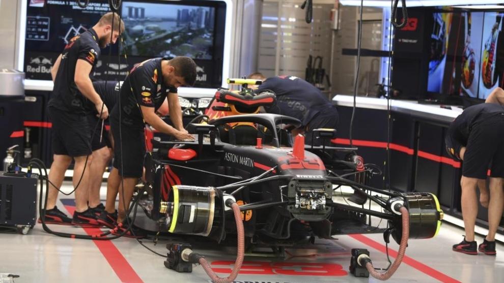 Box del equipo Red Bull.