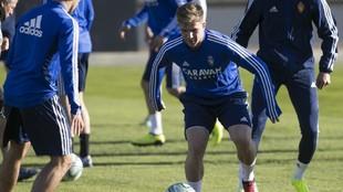 Raul Guti durante un entrenamiento con el Real Zaragoza.