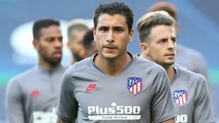 Giménez, Arias y Lodi, en un entrenamiento del Atlético.