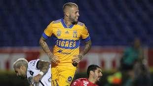 Nico López se lució con dos goles.