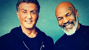 Sylvester Stallone y Mike Tyson posan en una foto para la cuenta de...