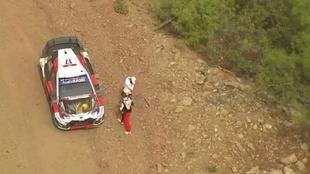 Ogier y su copiloto, Julien Ingrassia, han quedado apeados del Rally...