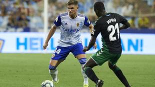 Raúl Guti, en un partido con el Zaragoza contra el Elche.