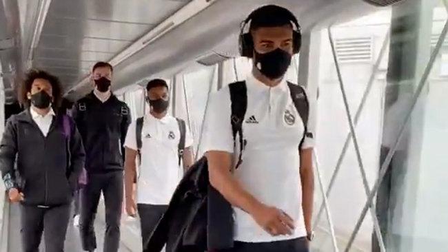 El avión deja tirado al Real Madrid... pero ya está en San Sebastián