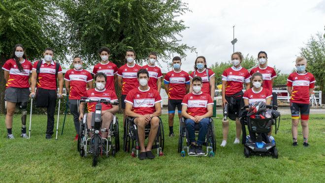 Los aspirantes a entrar en el Equipo Cofidis de Promesas paralímpicas...