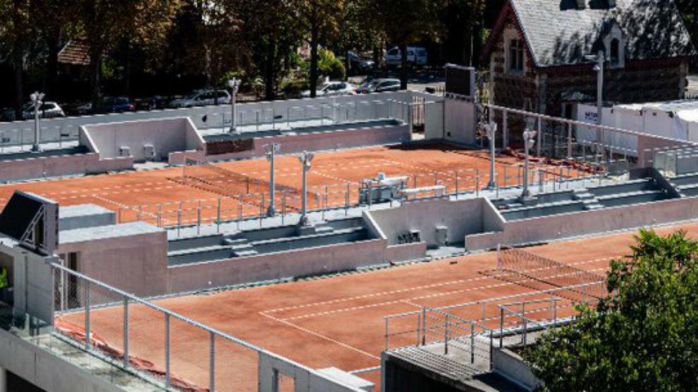 Roland Garros confirma cinco descalificaciones de tenistas por coronavirus