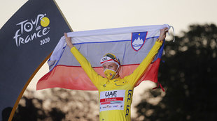 El campeón del Tour de Francia Tadej Pogacar .