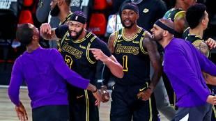 Lakers 105-103 Nuggets: Anthony Davis y su triple cardíaco