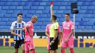 Marc Roca, en el momento de ser expulsado contra el Mallorca.