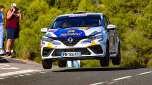 El gallego, intratable en el estreno de la monomarca Renault.