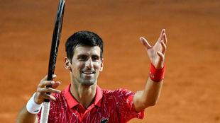 Djokovic manda amor a la grada de Roma