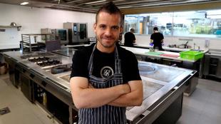 El cocinero David Muñoz, en las cocinas del restaurante DiverXO de...
