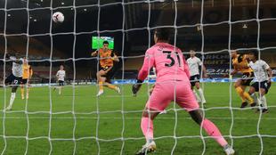 Raúl Jiménez anotó el único tanto de los Wolves ante el Manchester...