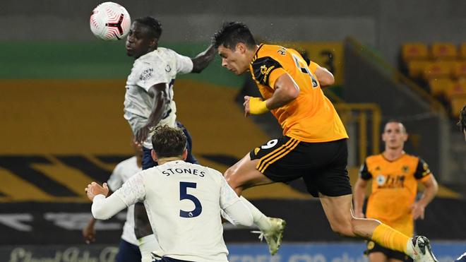 Los Wolves caen ante el Manchester City a pesar del gol de Raúl Jiménez