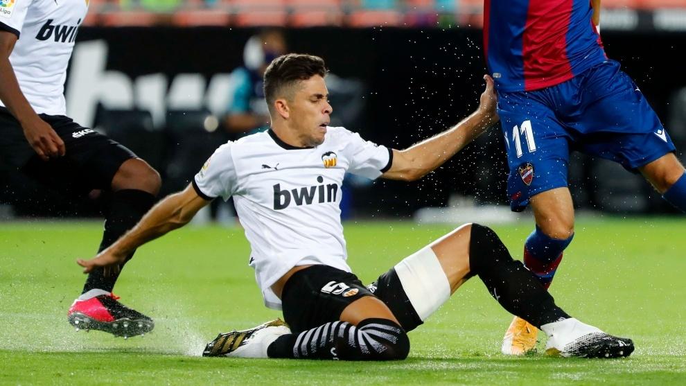 Valencia, central de alarmas en defensa con la lesión de Paulista
