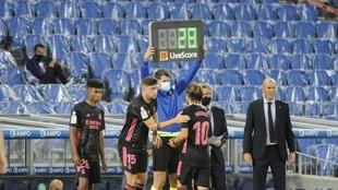 Federico Valverde entra por Modric ante la presencia de Marvin y...