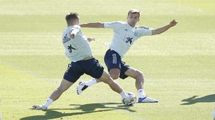 Diego Llorente, en un entrenamiento con la selección española.