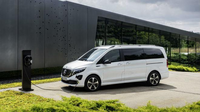 La Mercedes-Benz EQV, la furgoneta 100% eléctrica que se fabrica en Vitoria.