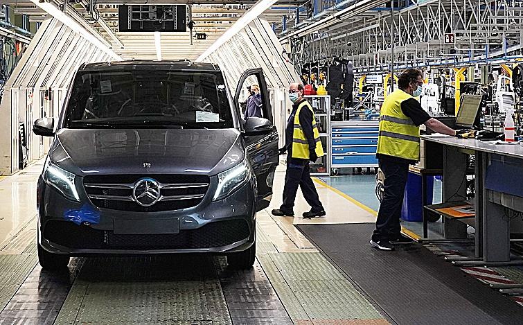 La planta de Vitoria donde se fabrica la Mercedes-Benz EQV.