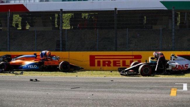 Carlos Sainz perdió partes importantes del coche en el accidente de Mugello