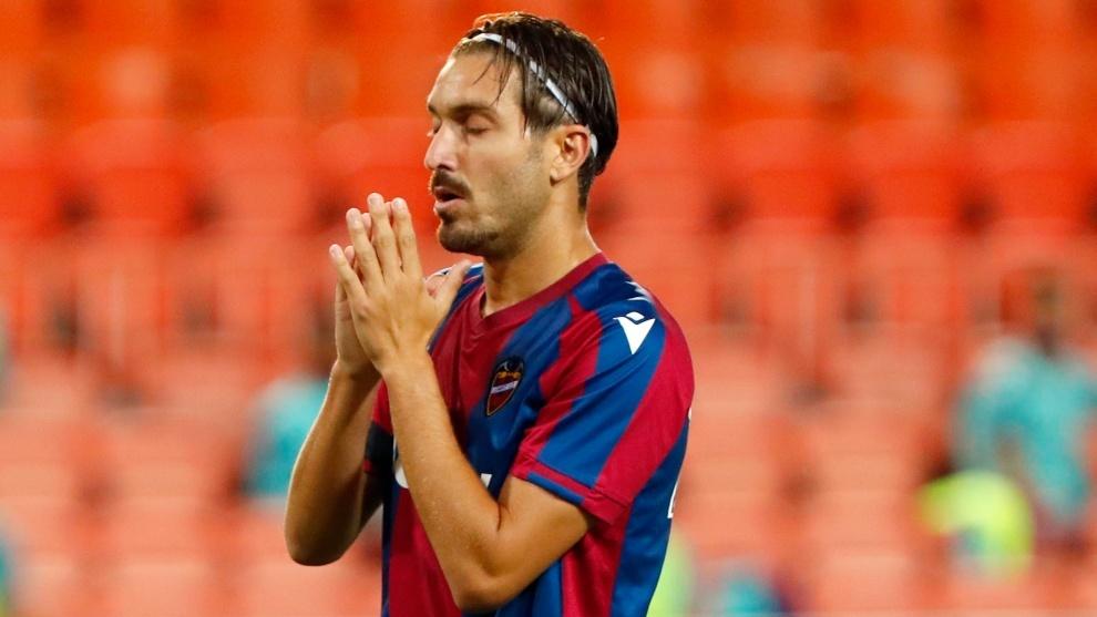 Campaña, durante el partido contra el Valencia en Mestalla.