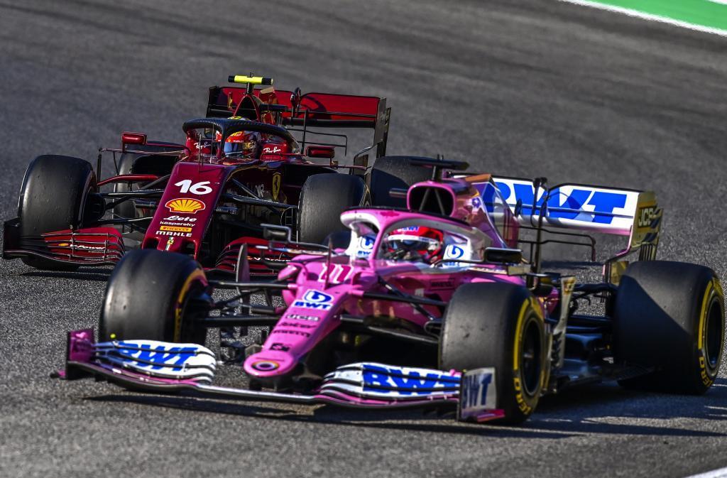 Checo Pérez y Charles Leclerc, durante el pasado GP de La Toscana en...