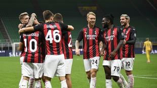Festejo del Milan en su pase a la Europa League.