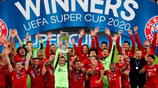 Jugadores del Bayern celebrando la Supercopa de Europa.