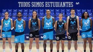 Jugadores y jugadoras del Movistar Estudiantes, en la presentación de...