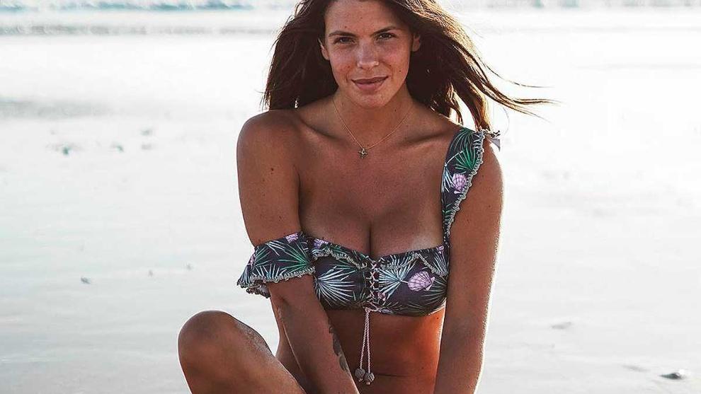 Laura Matamoros posa en la playa durante sus vacaciones.