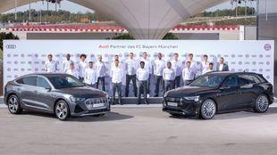 Los campeones de Europa y de la Supercopa, con sus Audi.