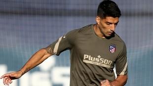 Luis Suárez, durante el entrenamiento con el Atlético.