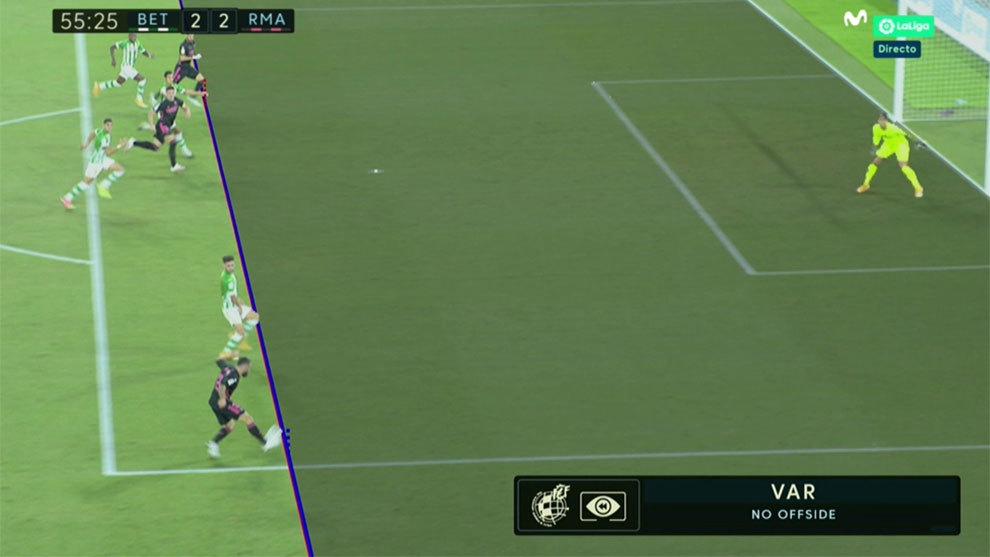 Por una rodilla: Emerson valida la posición de Benzema y mete 'su' gol