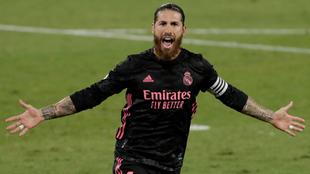 Sergio Ramos celebra su gol de penalti ante el Betis.