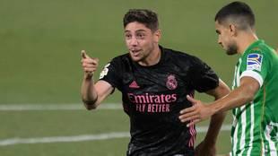 Valverde celebra su gol en el Benito Villamarín.