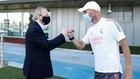 Florentino saluda a Zidane en Valdebebas