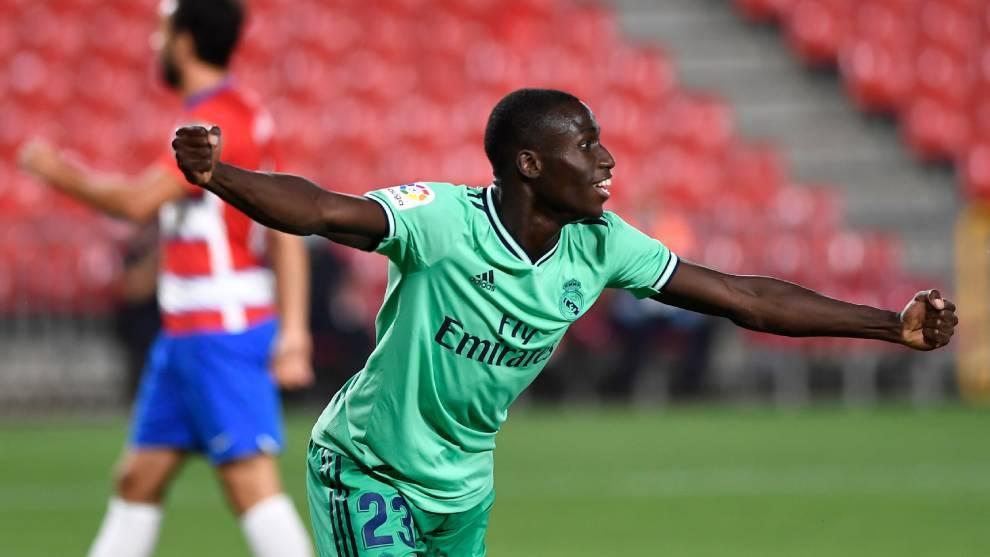 Mendy celebra un gol contra el Granada