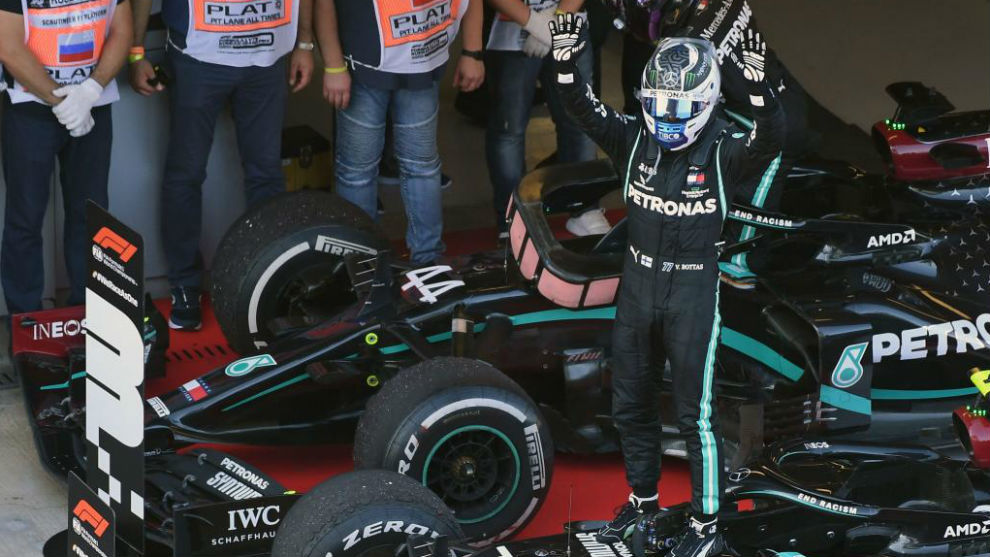 Bottas profits from Hamilton's penalty to win Russian Grand Prix