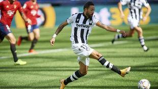 Morales, en una carrera en el Osasuna-Levante.