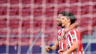 Joao Félix celebra su gol